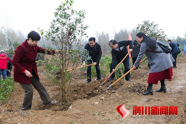 潢川县扎实开展冬季义务植树活动