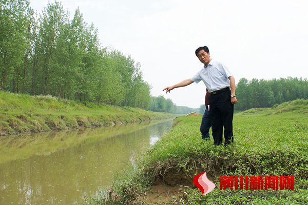 兰恩民到桃林铺镇检查水污染防治工作