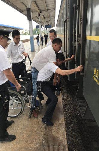中新网:2019年暑运信阳潢川火车站发送旅客34.8万人